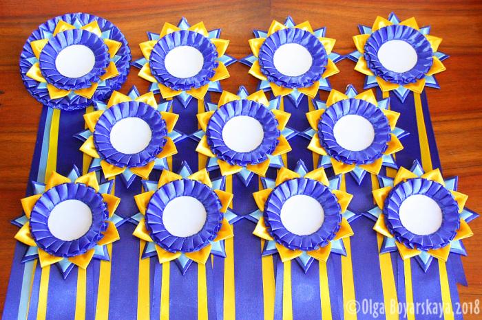 комплект желто-синих розеток